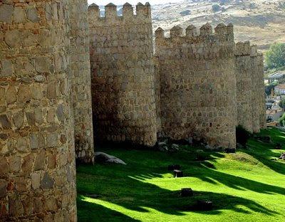Ávila, muralhas. Glória da Idade Média