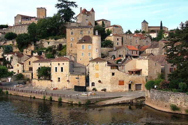 Puy l'Évèque. A cidade medieval