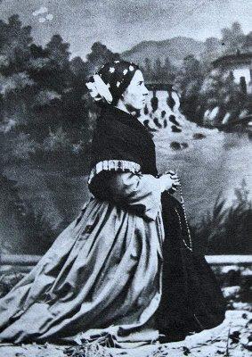 Santa Bernadette, foto tirada na casa do fotografo Dufour