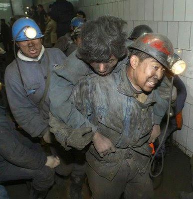 Explosão matou pelo menos 88, Qitaine, China