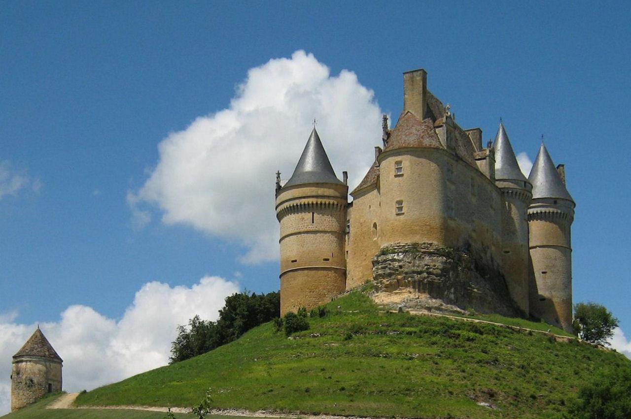 Castelo de Bannes, na Dordogne, França