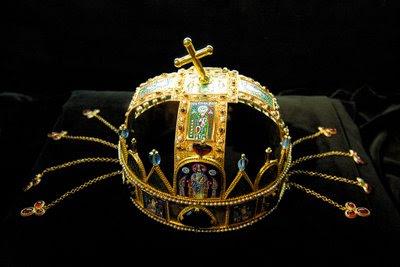 Coroa de Santo Estevão, dos reis apostólicos da Hungria