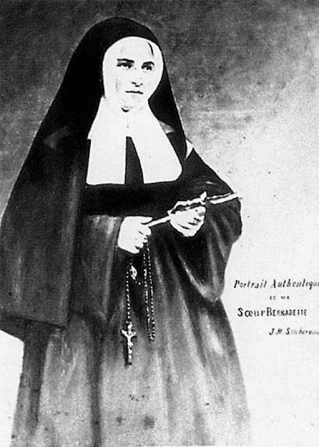 Santa Bernadette religiosa em Nevers