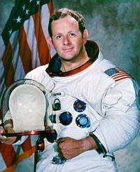 Philip K. Chapman, geofsico, engenheiro astronutico, ex-astronauta, fsico do M.I.T.