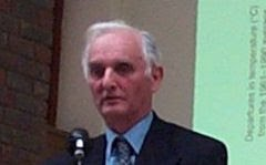 John Theodore Houghton, primeiro presidente do IPCC, co-premiado com o Nobel da Paz: