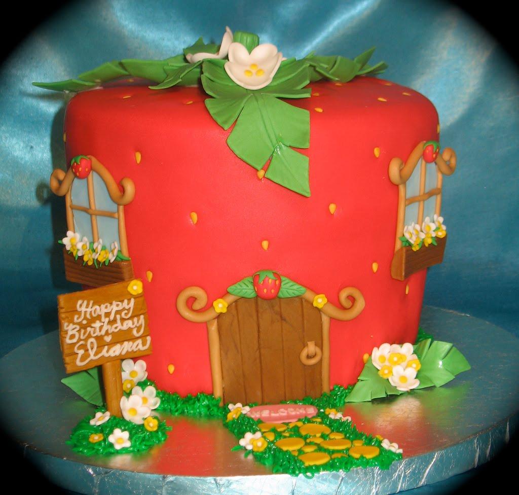 Images Of Strawberry Shortcake Cake : Diary LifeStyles: Strawberry Shortcake Party Ideas