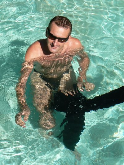 IN THE POOL. IN THE POOL COME AND JOIN ME