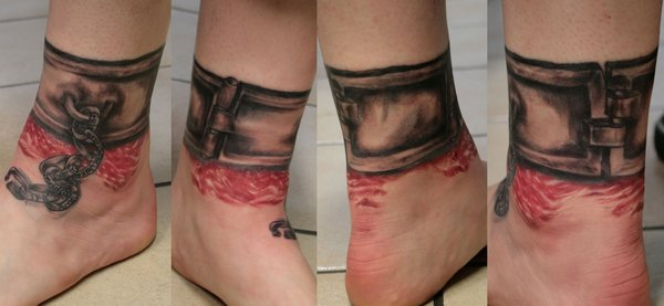 cross tattoos for women on foot. Cross Tattoos For Women