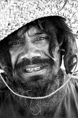 http://4.bp.blogspot.com/_L1y4XexY16s/TFkInX3bMHI/AAAAAAAAYZU/ghQClwuEhYQ/s400/homeless_in_america_45.jpg