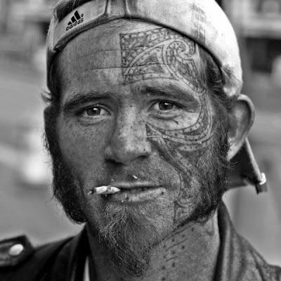 http://4.bp.blogspot.com/_L1y4XexY16s/TFkSiHaYOrI/AAAAAAAAYcs/5B1vrJeq3Ts/s400/homeless_in_america_20.jpg