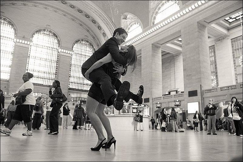 http://4.bp.blogspot.com/_L1y4XexY16s/TGgGthbXyfI/AAAAAAAAZYg/RhLVlwkr4oI/s1600/dancers-among-us-35.jpg