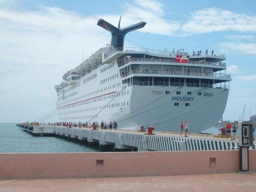 [cruise+boat]
