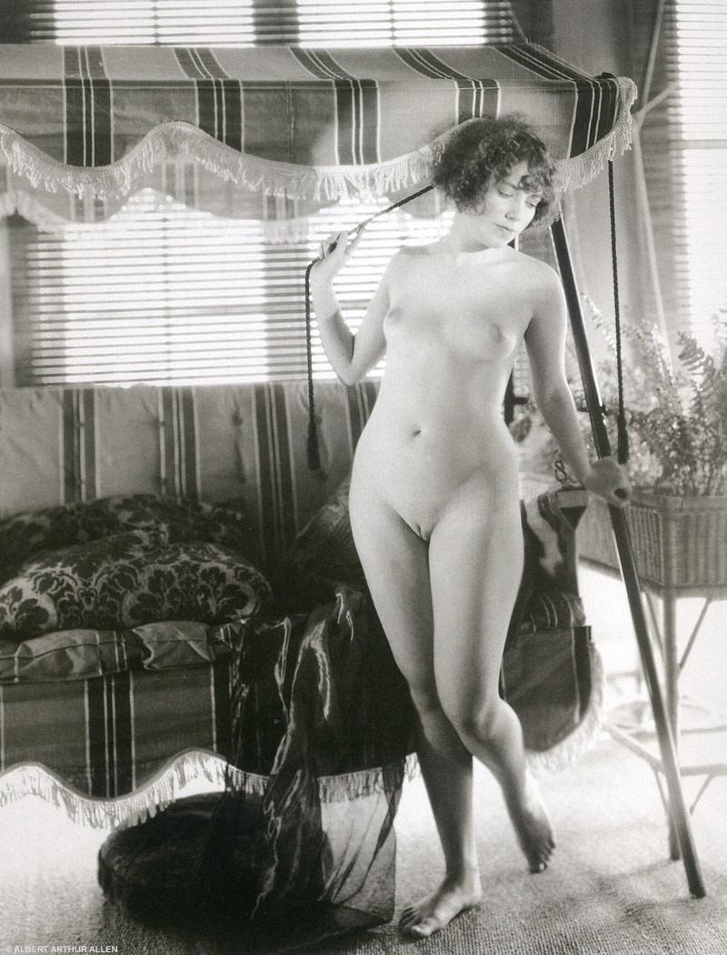 http://4.bp.blogspot.com/_L4H2zkGOub0/TU5vJEqaejI/AAAAAAAAGZ0/nNVPt40es_Q/s1600/albert_arthur_allen_nude_follies_01a.jpg