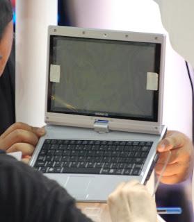 Gigabyte M912 Netbook