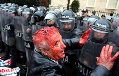 Demostrata Ne Shqiperi. Tirane, demostratat jan tv