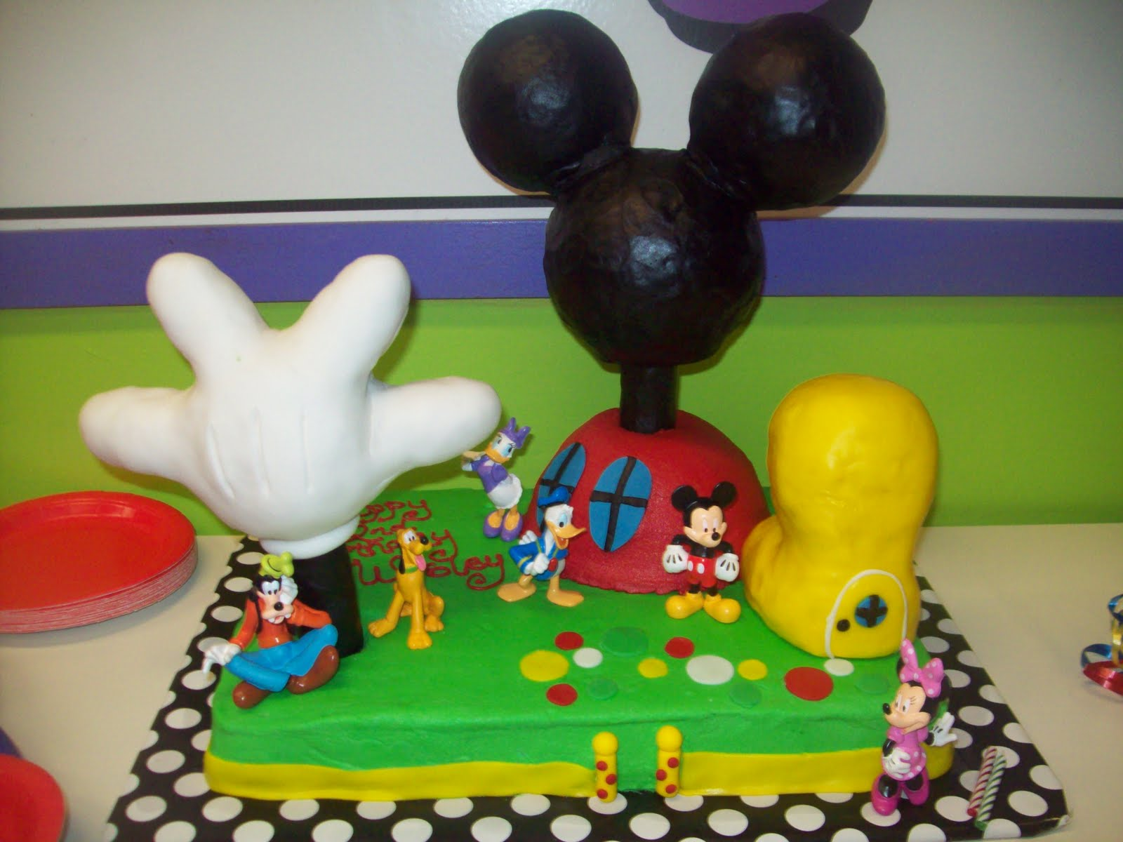 BB Cakes Mickey Mouse Clubhouse cake