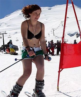 Bikini Skiing 11 Soon, the princess gets aroused by the lust in our eyes and starts touching ...