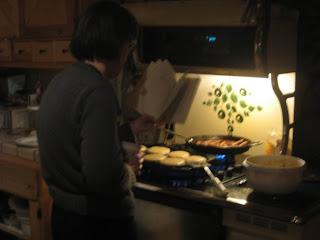 http://4.bp.blogspot.com/_L75x2I7VCU4/TP5mHRMmZyI/AAAAAAAAHdk/pwx2y64XKYU/s1600/Liam+--+me+reading.jpg
