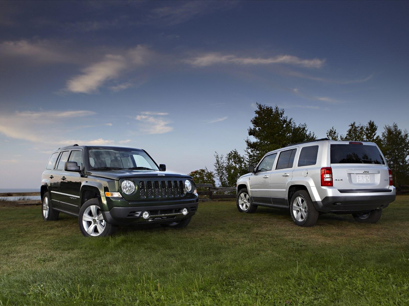 http://4.bp.blogspot.com/_L7TBxp3i-_I/TSWdIVs__jI/AAAAAAAABB0/jHdAyVUOR08/s1600/Jeep-Partiot-2011-06.jpg