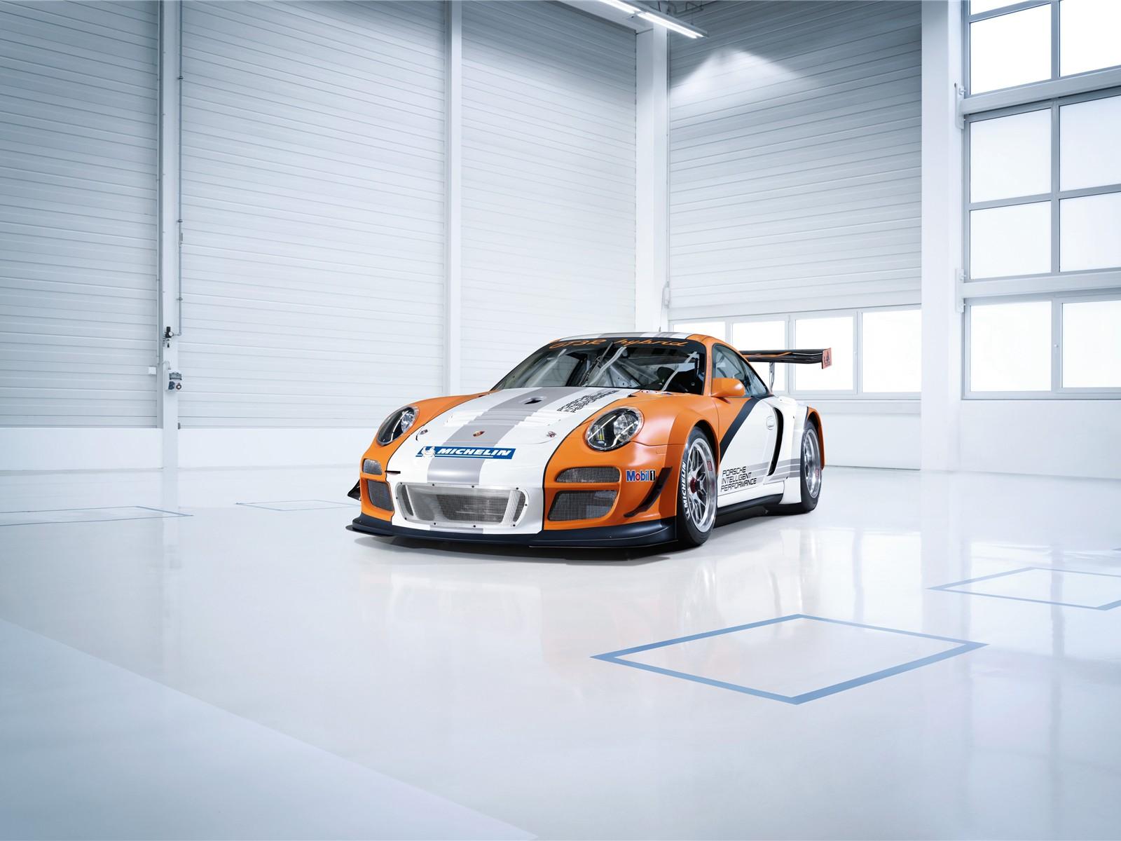 http://4.bp.blogspot.com/_L7TBxp3i-_I/TTbEKNMy-SI/AAAAAAAABJg/Sep_Wz2XMDw/s1600/Porsche+911+GT3+R+Hybrid+2011+wallpaper.jpg