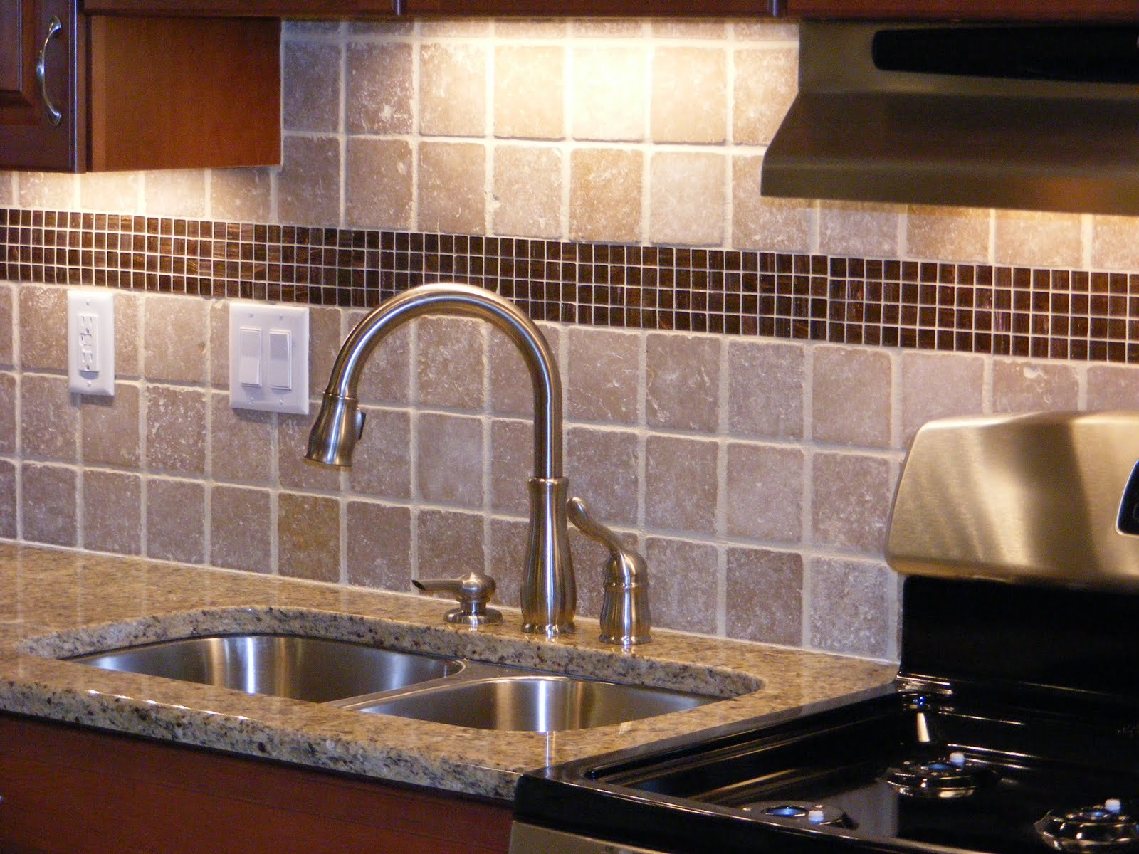 Stainless steel sink with