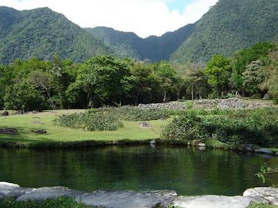El Valle de Anton: Cerro Pajaro, Cerro Caracoral and Cerro Gaital