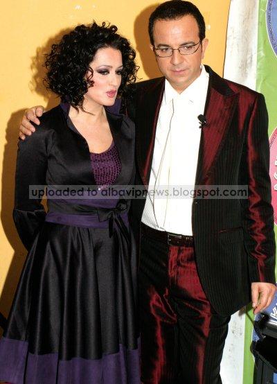 Ardit Gjebrea me Eliza Hoxhen