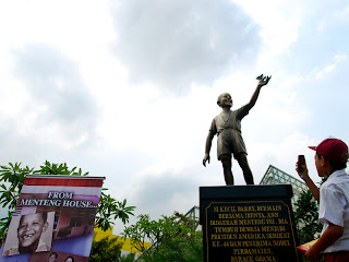 Patung Barack Obama di Jakarta