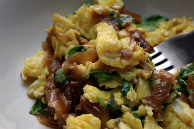 Scrambled Eggs with Smoked Gouda, Caramelized Onions and Arugula ...