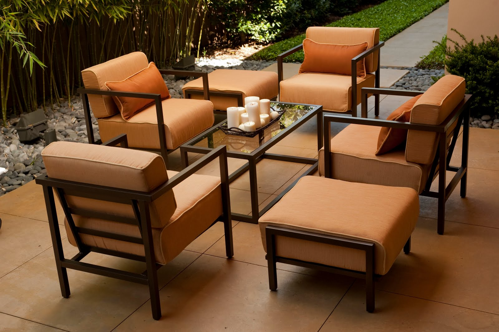 Joe Ruggiero Designer HGTV Host CasualOutdoor Furniture Market