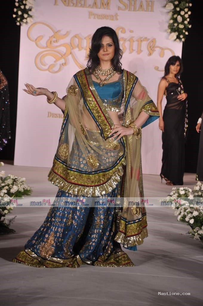 wallpaper zareen khan. Zarine khan Wallpaper