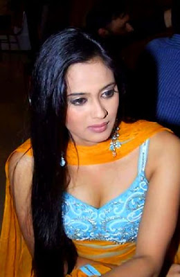 Shweta Tiwari in Indian Tradional Dresses, TV Star Actress Shweta Tiwari