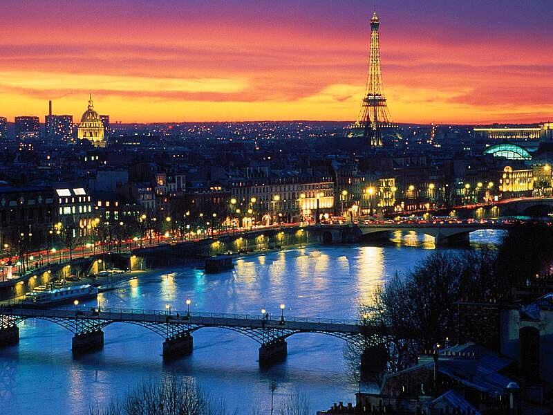 France Paris Night It Works Global France | Network Marketing Opportunity France