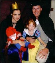 Family Halloween Costumes - Living Locurto