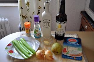Hruškovo-zelerová polievka s gorgonzolou
