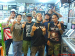 crew district9 with siksa kubur