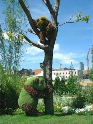 Stunning garden sculptures Seen On www.coolpicturegallery.net