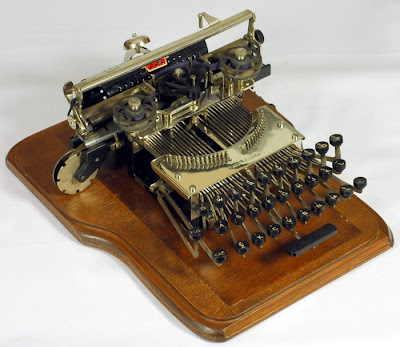 vintage typewriters 44 World's Oldest Typewriter Collection