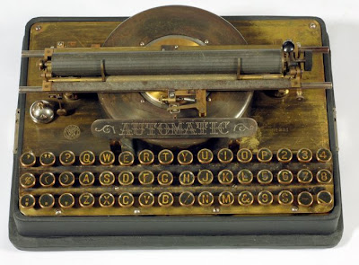 vintage typewriters 43 World's Oldest Typewriter Collection