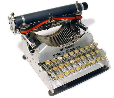 vintage typewriters 32 World's Oldest Typewriter Collection