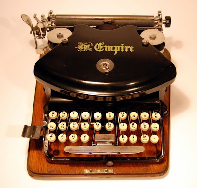 vintage typewriters 05 World's Oldest Typewriter Collection