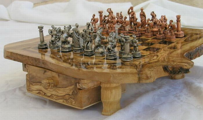 53 strange chess board sets curious funny photos pictures for Strange table