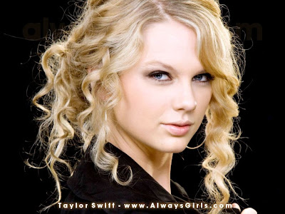 Taylor Swift was a come in Best Girls Wallpaper in Year 2008.