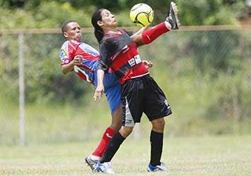 Foto: Larissa contra o Bahia