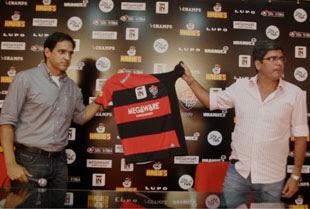 Ricardo Azevedo e Carlos Falcão