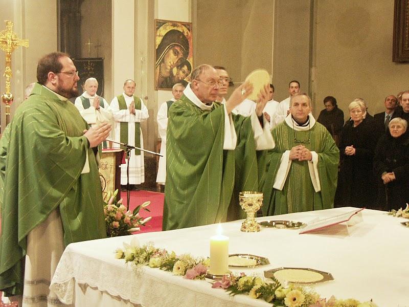 Non possumus l 39 emblema degli abusi liturgici for Arredi liturgici cammino neocatecumenale