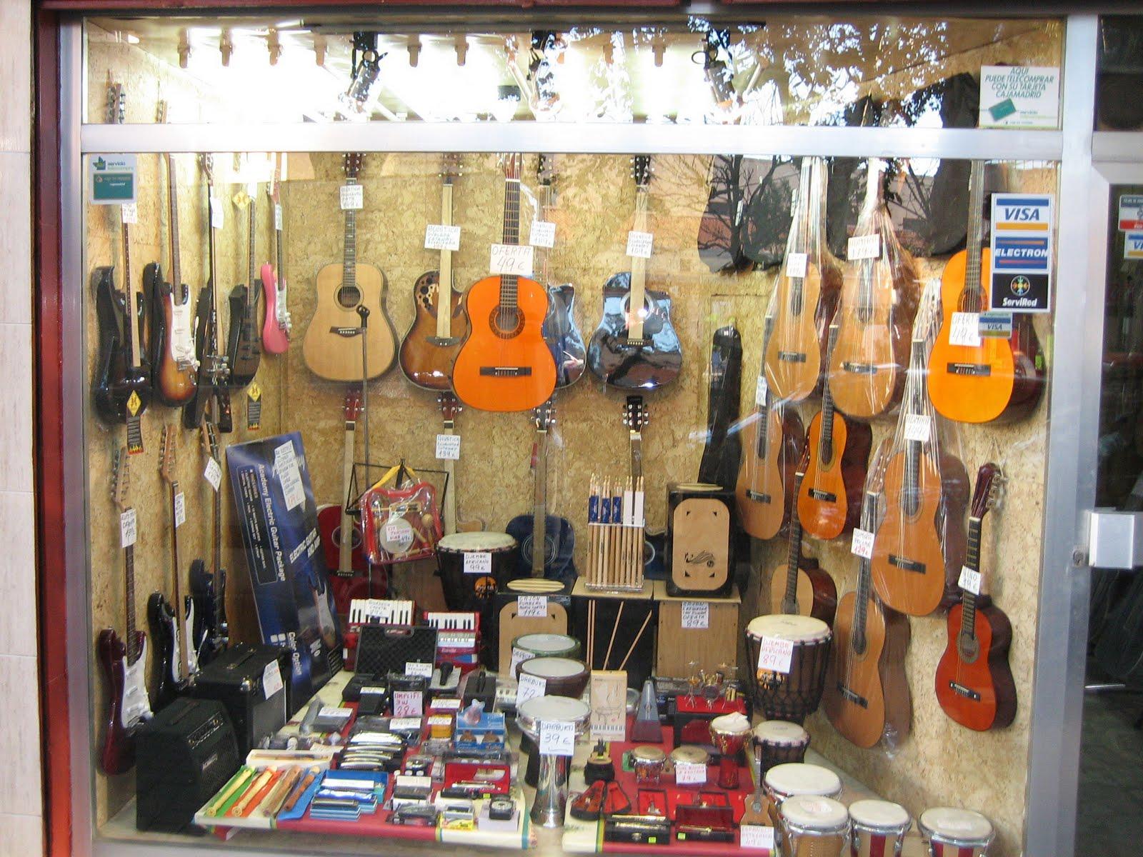 Musica para el mundo los instrumentos musicales for Casa amarilla instrumentos