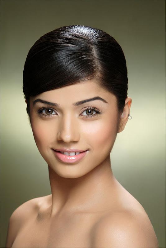 Actress Aparna Bajpai Photoshoot Pics Eesan Heroine Aparna Bajpai Photos hot images