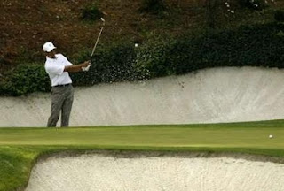 Tiger 12th green Augusta 4-3-07 REUTERS Shaun B