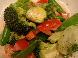 Romaine salad with vegetables and dressing